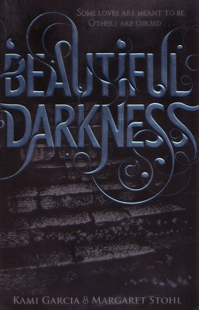 Book Cover:  Beautiful Darkness: The Caster Chronicles: Volume 2