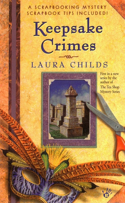 Keepsake Crimes: A Scrapbooking Mystery Book 1
